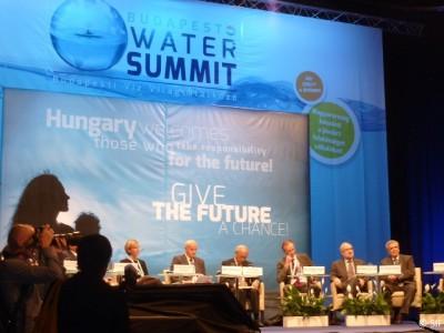 La Déclaration appelle à l'adoption d'un objectif de développement durable sur l'eau